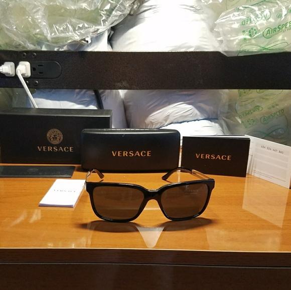 e2643e1ad1 NWT Authentic Mens Versace VE4307 Sunglasses